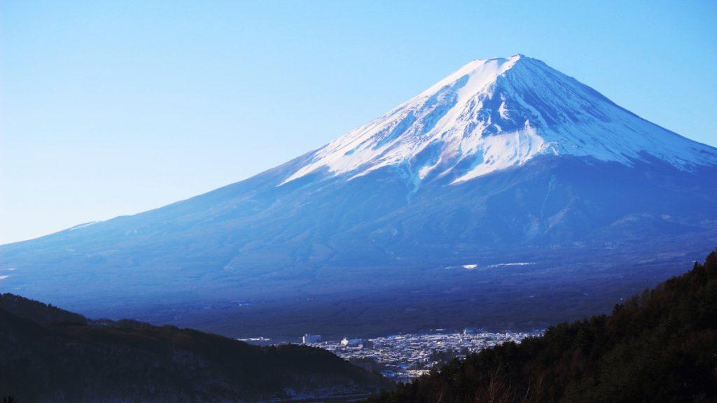 御坂峠から望む富士山